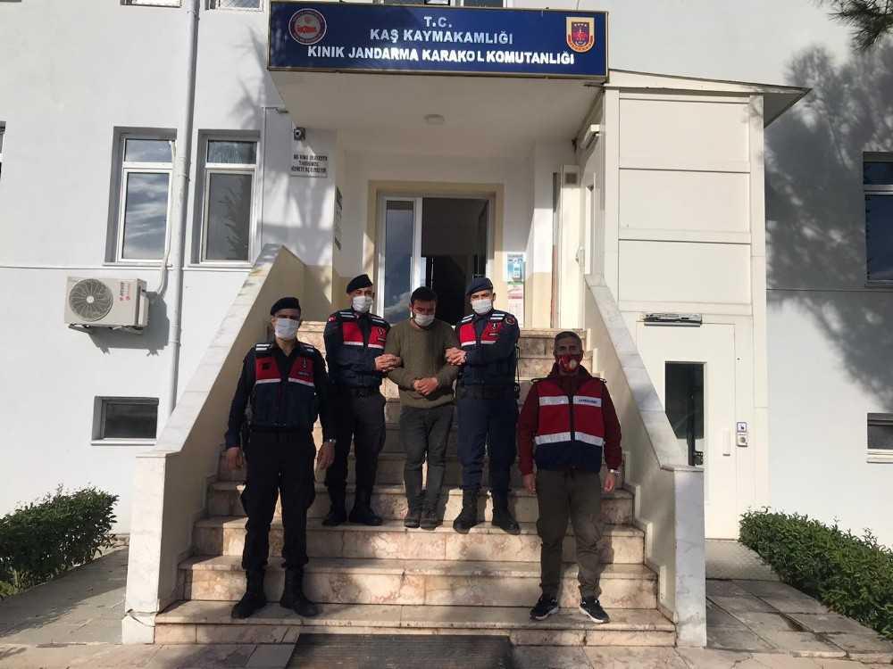 Fethiye'de eşini öldüren katil zanlısı Kaş'ta yakalandı