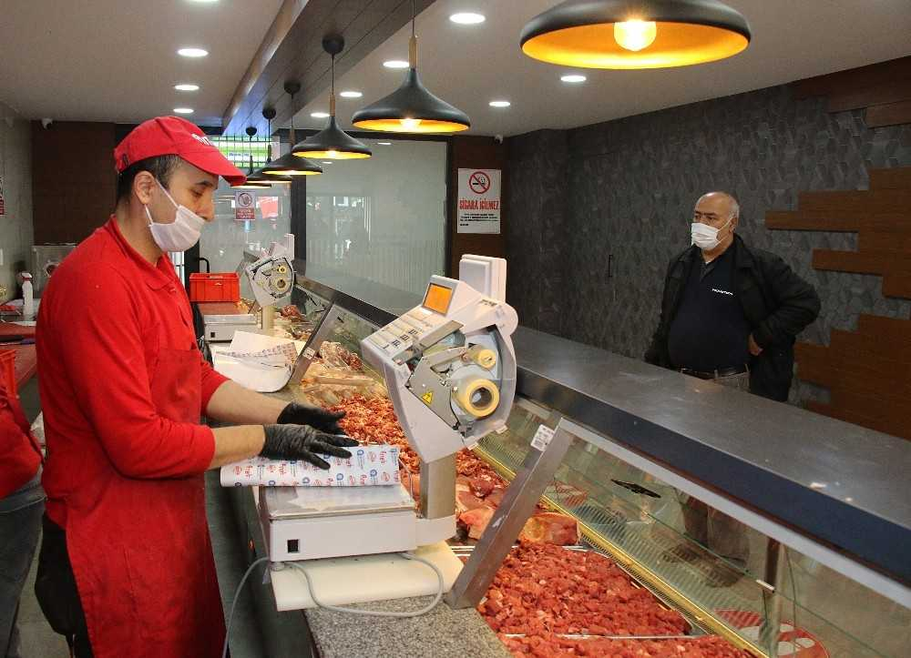 Halk Et Satış Mağazalarında 1 yılda 321 ton et ürünü satıldı