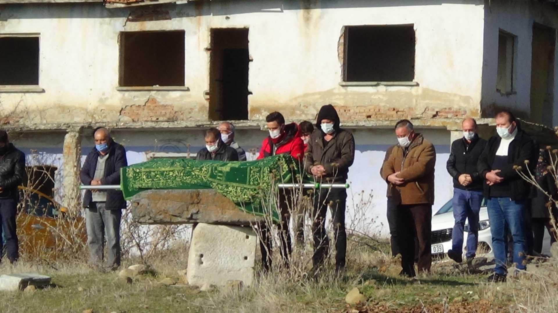 Polisi şehit eden katil zanlısı Muhammet Karataş, güvenlik önlemleri altında Isparta'da defnedildi