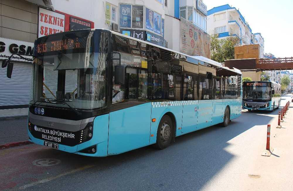 Sokağa çıkma kısıtlamasında toplu taşıma için 23 hatta 43 araç seferde