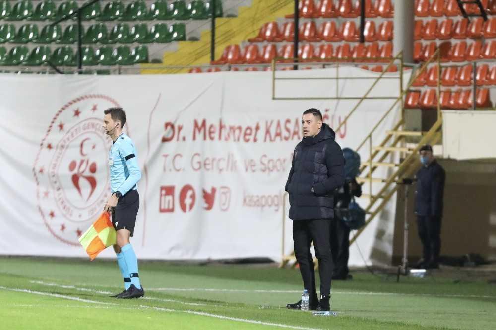 Süper Lig: Aytemiz Alanyaspor: 1 – Beşiktaş: 0 (İlk yarı)