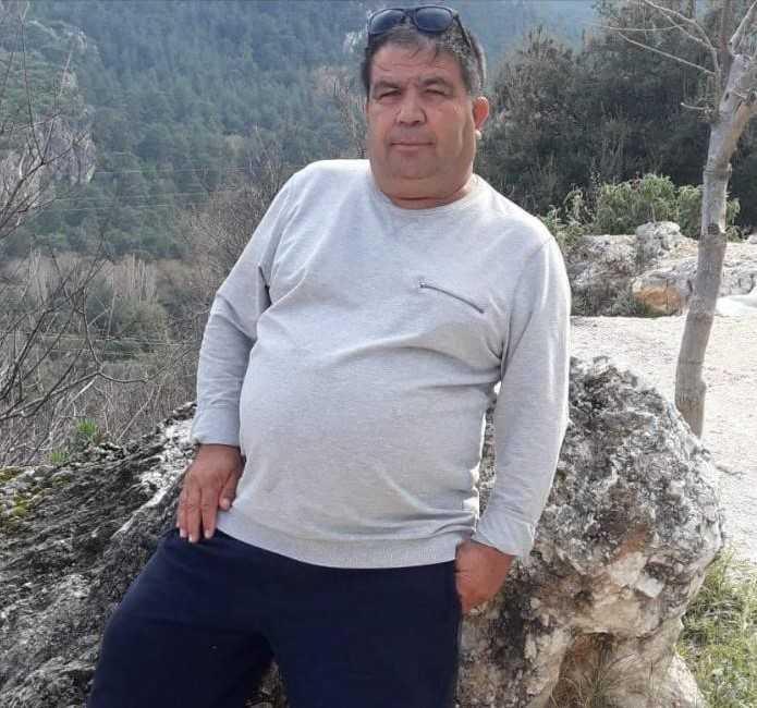 Hareket halindeki otobüste kalp krizi geçiren şoför hayatını kaybetti