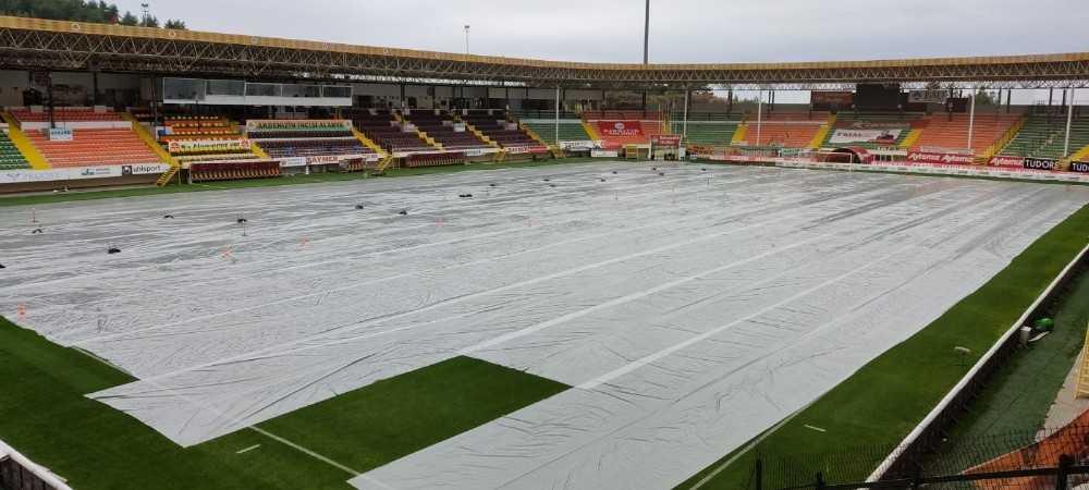 Alanya Belediyesi'nden Stadyuma yağmur önlemi