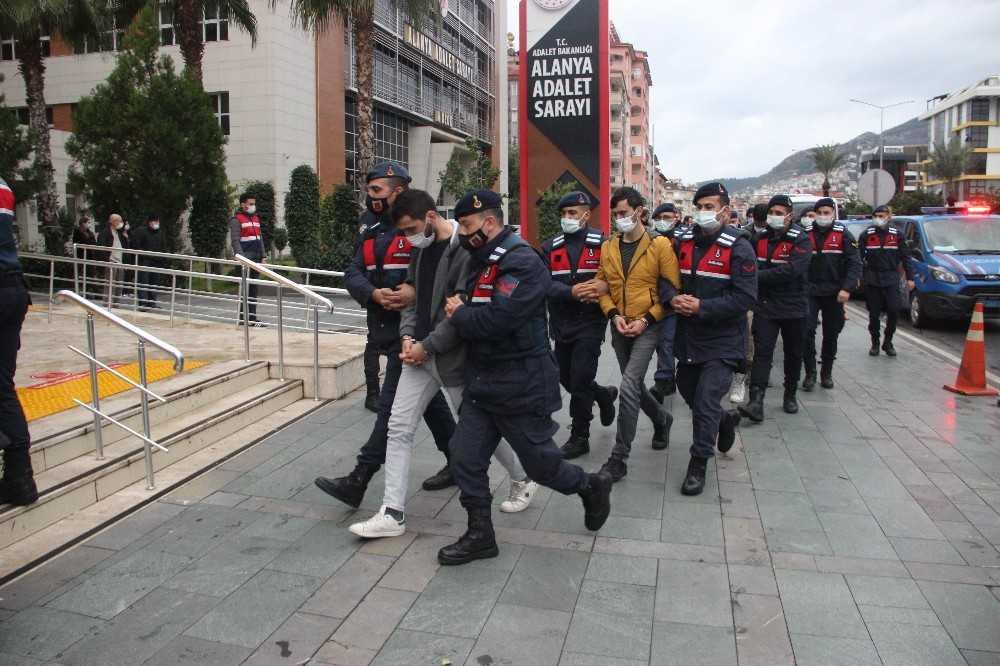 Antalya'da eş zamanlı 'Dalgakıran' operasyonunda 20 şüpheli daha adliyeye sevk edildi