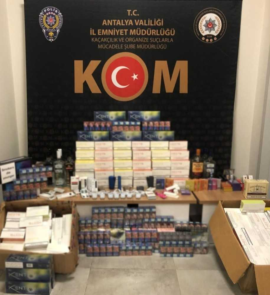 Antalya'da kaçak tütün ve elektronik sigara operasyonu