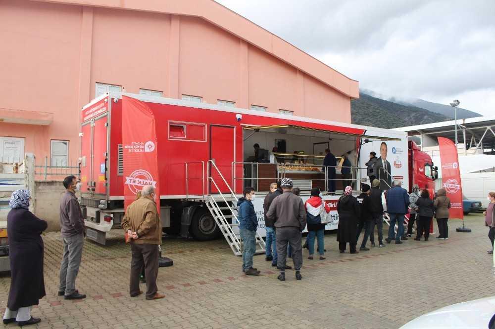 Halk Et Tırı'nda bir günde bir ton et ürünü satıldı