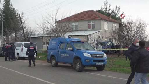İki çocuk annesi kadına kelepçeli koca şiddeti cinayetle bitti…Sabaha kadar kendisini darp eden kocasını av tüfeği ile öldürdü