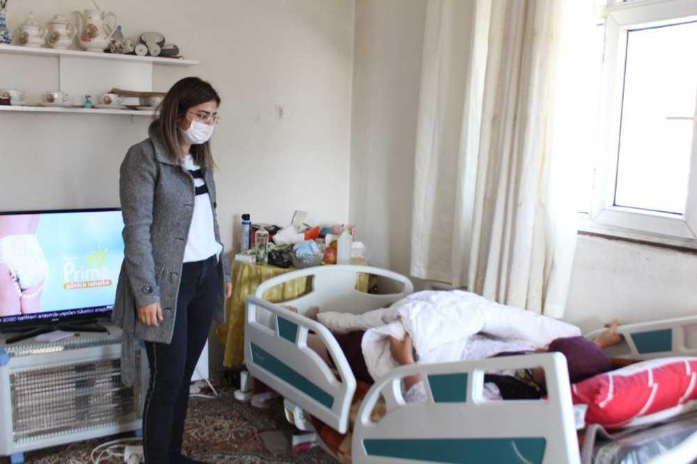 Kaş Belediyesi'nden 28 hastaya daha yatak yardımı