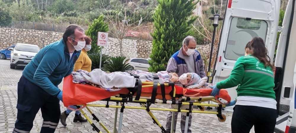 Kemer Belediyesi 89 hastayı hastanelere sevk etti
