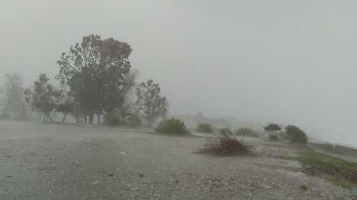 Kemer fırtına ve yağmura teslim