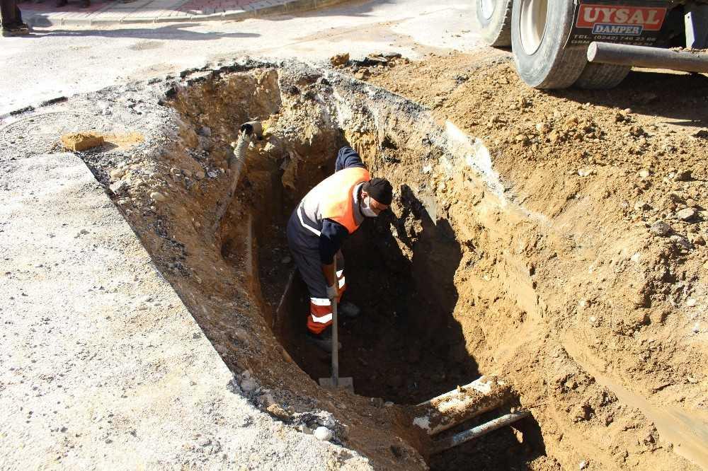 Manavgat'ta 6 mahallede ek kanalizasyon hattı yapıldı