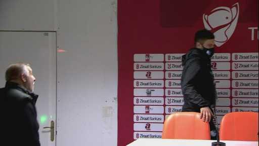 """Mesut Bakkal: """"Bizim için önemli olan ligde mücadele etmek"""""""