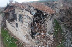 (Özel) Koruma altındaki tarihi düğmeli evler tek tek yok oluyor