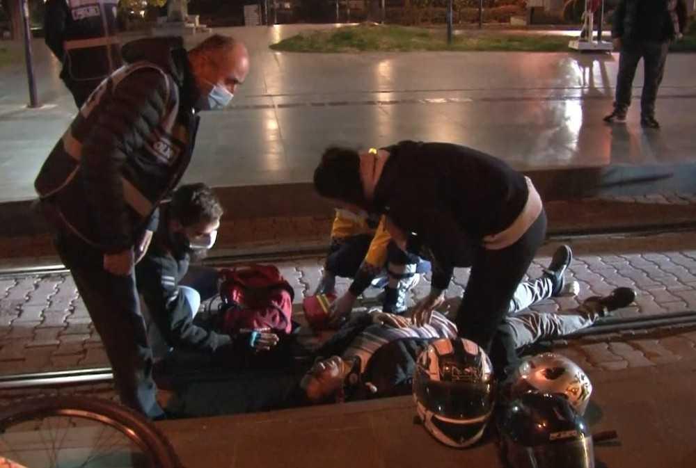 Sebep olduğu kaza sonrası motosiklet sürücüsünün başından bir an olsun ayrılmadı