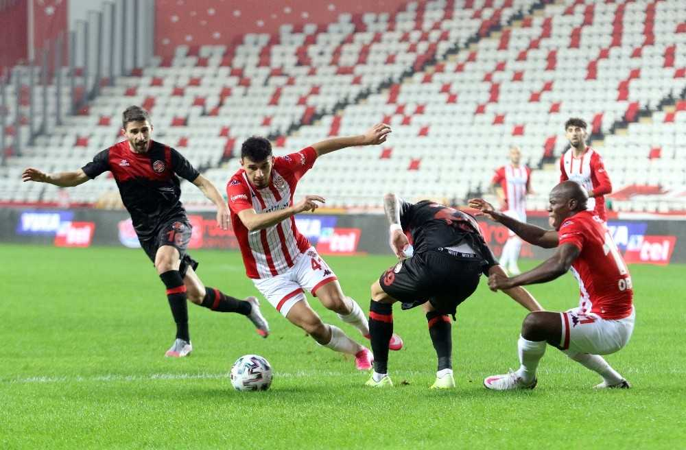 Süper Lig: FT Antalyaspor: 2 – Fatih Karagümrük: 1 (İlk yarı)