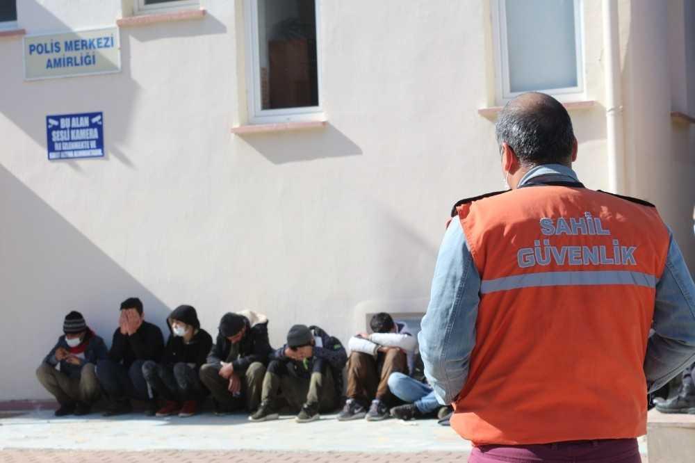 32 kaçak göçmen saklandıkları seralarda polise yakalandı