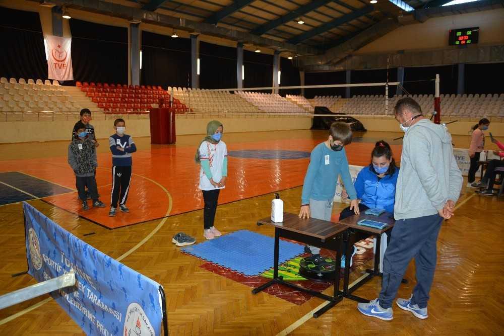 55 öğrenci spora yönlendirme testinden geçirildi