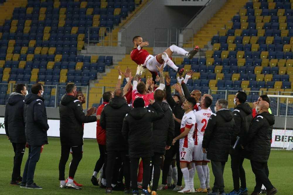 Antalyaspor'da Sidney Sam'dan 5 puanlık katkı