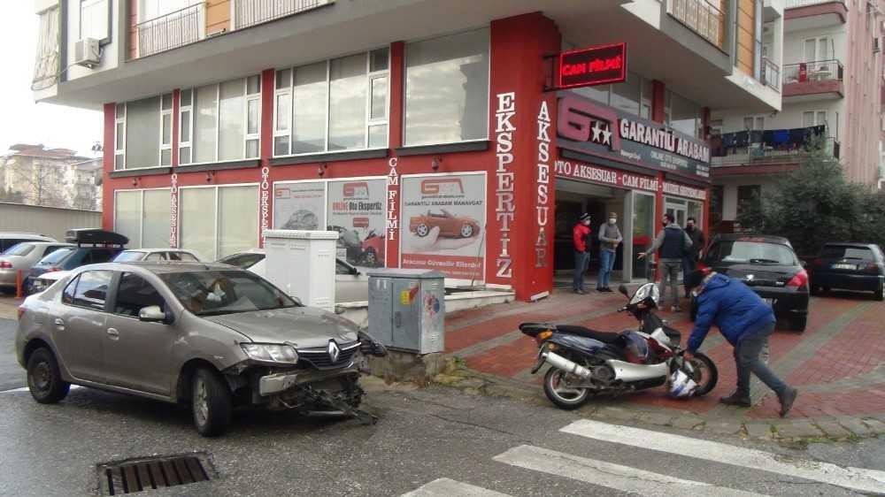 Çarptıkları motosiklet sürücüsünü ambulansa bindirip kayıplara karıştılar