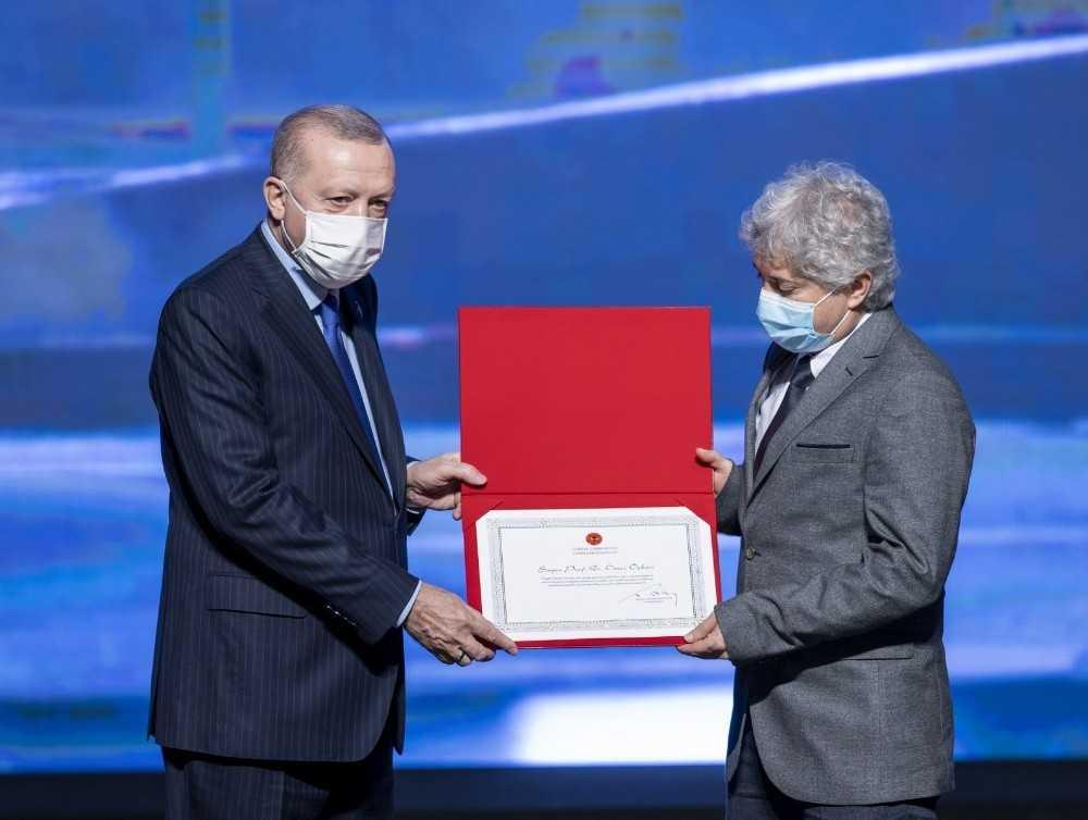 Cumhurbaşkanı Erdoğan'dan Prof. Dr. Ömer Özkan'a Ödül
