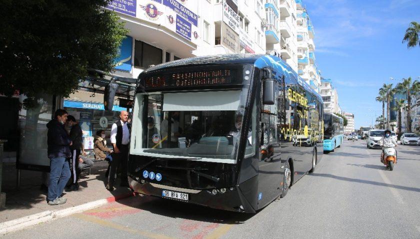 Elektrikli otobüs yollarda