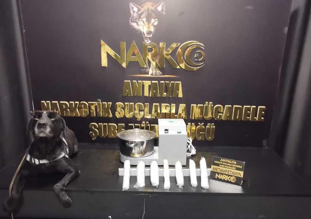 Kargoya verilen blender cihazının içinden 1 kilo uyuşturucu çıktı