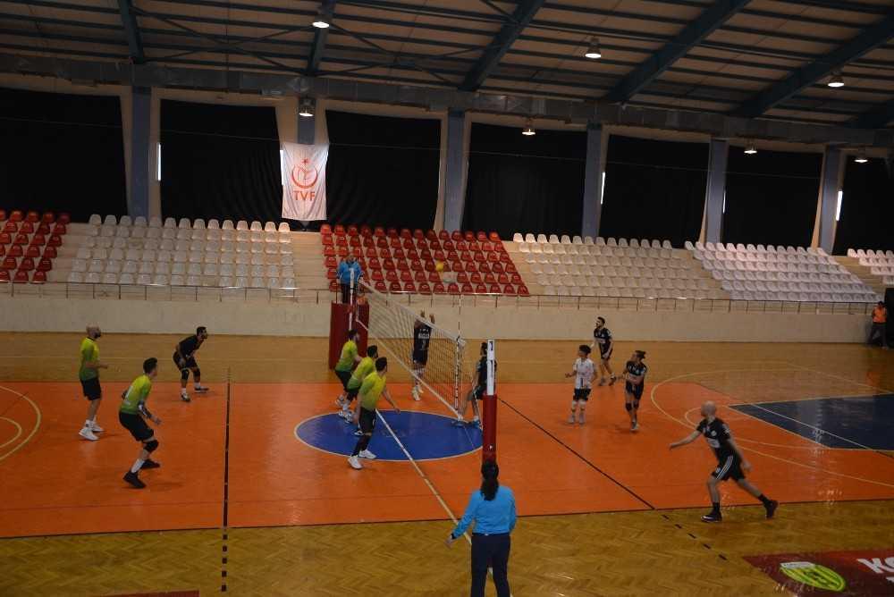 Korkuteli Belediyespor Ilgın Spor'a set vermedi: 3-0