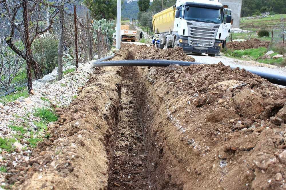 Kumluca'da Erentepe Mahallesi içme suyuna kavuşuyor