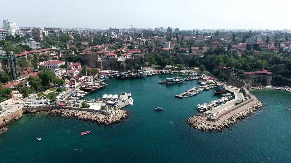 Muratpaşa 513 bin 35'e ulaşan nüfusuyla 38 ili geride bıraktı