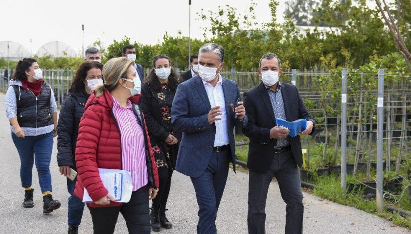 Muratpaşa Belediyesinin balkon bahçeciliği çalışmasıyla toplumu bütünleşiyor