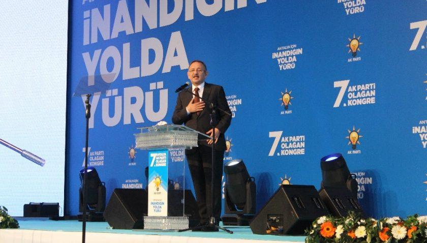 """Özhaseki: """"CHP'de Deniz Baykal'dan sonra eksen kayması oldu"""""""