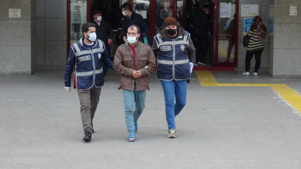 Polisten yalınayak kaçan azılı hırsız adliyeye polisin verdiği terliklerle çıktı