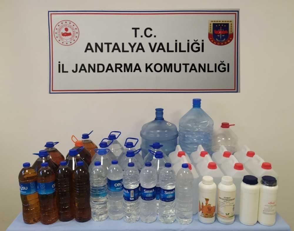 Sahte alkol üreticilerine jandarma baskını: 2 gözaltı