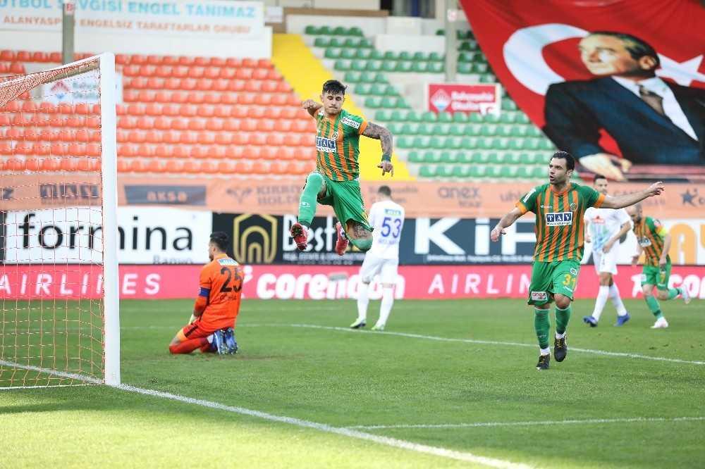 Süper Lig: Aytemiz Alanyaspor: 1 – Çaykur Rizespor: 1 (İlk yarı)