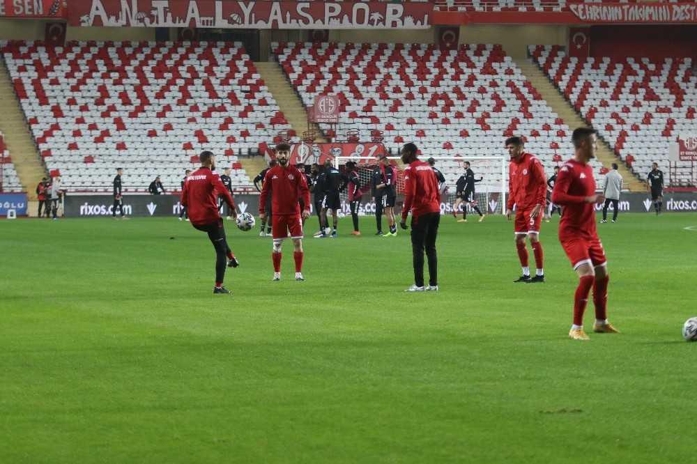 Süper Lig: FT Antalyaspor: 0-Beşiktaş: 0(Maç devam ediyor)
