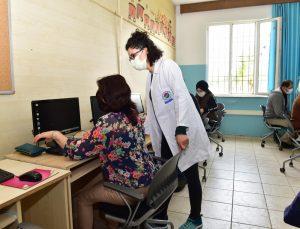 AKMEK kursları pandemi önlemleri altında sürüyor