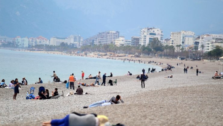 Antalya İl Umumi Hıfzıssıhha Kurulu'ndan Korona virüs tedbirlerine 'kırmızı' güncelleme