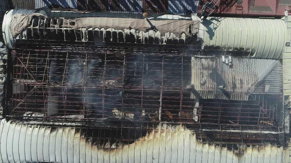 Antalya'da  boşaltılan festival çarşısında korkutan yangın