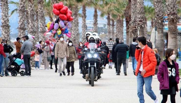 Antalya'da korona tablosunda 19 ilçeden 7'si kırmızı