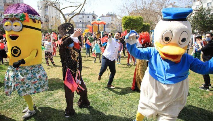 Antalya'da renkli Nevruz kutlaması