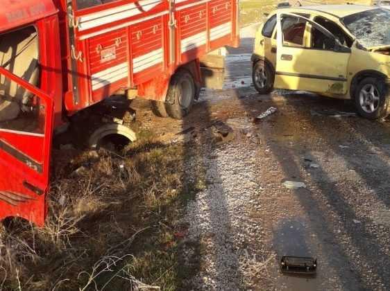Antalya'da trafik kazası: 1 ölü ,2 yaralı