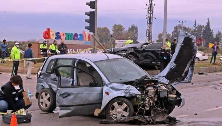 Antalya'daki feci kaza baba oğlu hayattan kopardı: 2 ölü, 3 yaralı