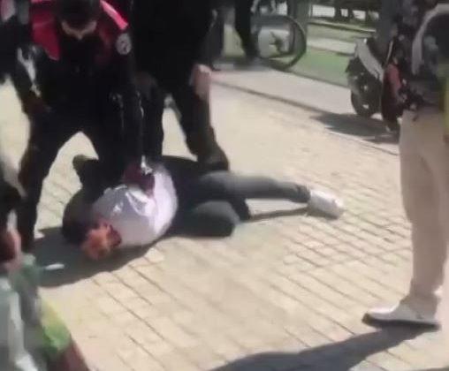 """Arızalı telefon kavgasında polise """"Bunun hesabı kesilecek"""" tehdidi"""
