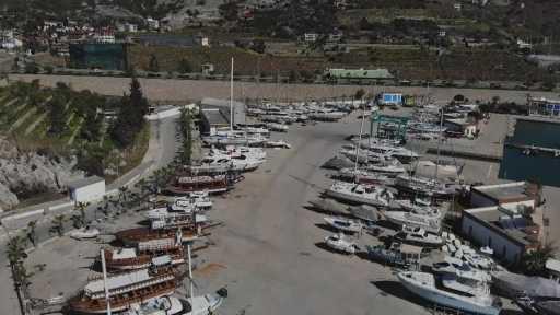 (Özel) Tur tekneleri yeni sezona hazırlanıyor
