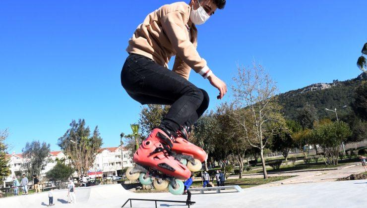Skate Park'a gençlerden yoğun ilgi