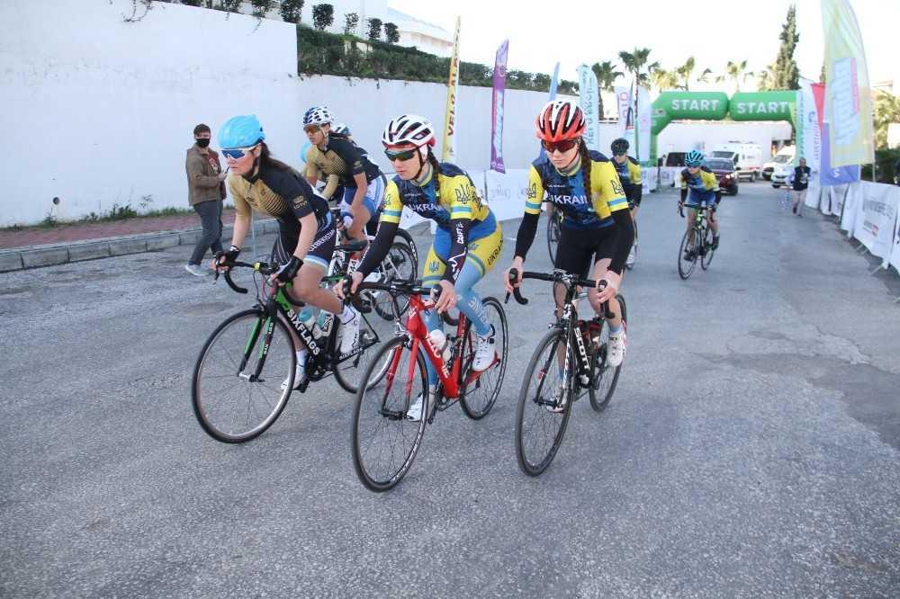 Velo Alanya Gençler Yol Bisikleti Yarışı yapıldı