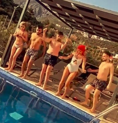 Villada 'pes' dedirten kaçak havuz partisi