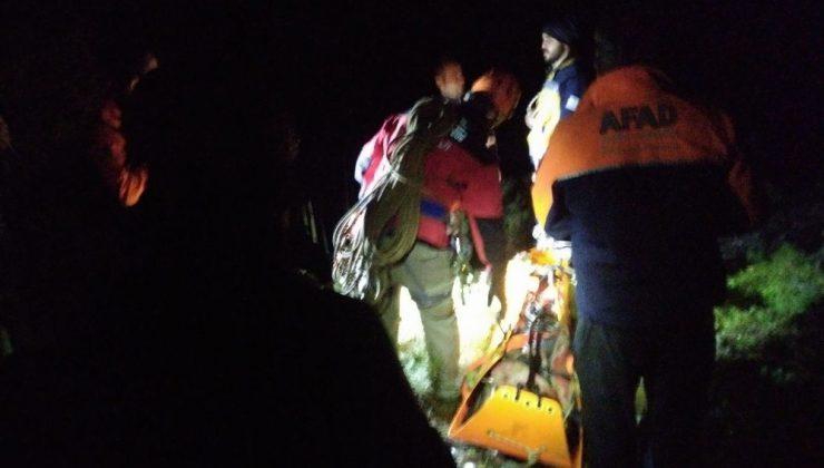 Yayladaki hastaya 60 metrelik kayalıklardan nefes kesen kurtarma operasyonu