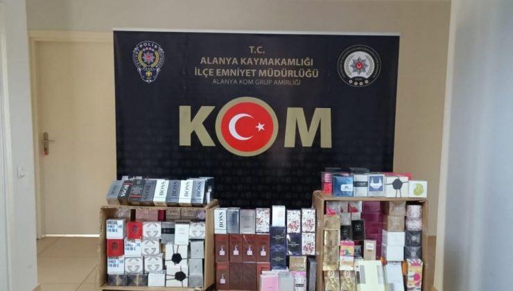 Alanya'da 893 adet kaçak parfüm ele geçirildi