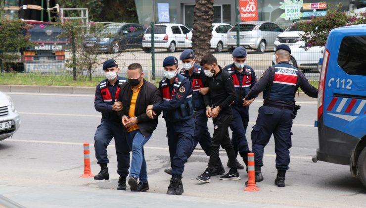 Alanya'da operasyonda yakalanan yasa dışı bahis şüphelileri adliyede